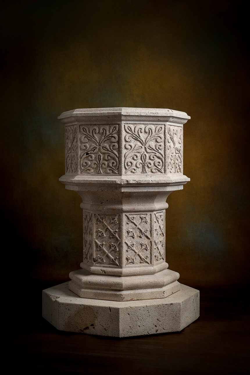Pila bautismal piedra